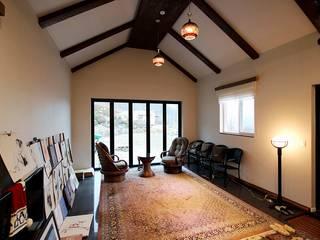 Ruang Keluarga by 로이하우스