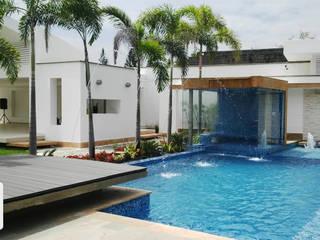 PISCINA CASA BLANCA: Conjunto residencial de estilo  por ION arquitectura SAS