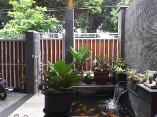 Renovasi Rumah Taman – Slipi . Jakarta Barat Taman Gaya Eklektik Oleh Vaastu Arsitektur Studio Eklektik