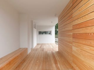 Casa MM Studio Ecoarch Ingresso, Corridoio & Scale in stile moderno