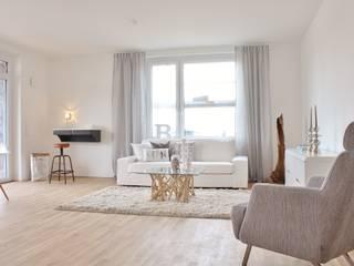 Musterwohnung Bremen Überseestadt Nicole Schütz Home Staging WohnzimmerSofas und Sessel
