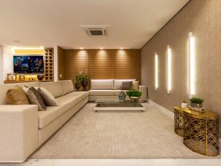 Apartamento luxo Salas de estar modernas por Home projetos Moderno