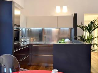 Appartamento in campagna Cucina moderna di Filippo Coltro architetto Moderno