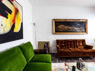 Casa anni '30: Soggiorno in stile in stile Eclettico di Filippo Coltro architetto