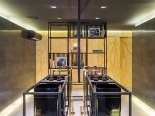 Lavabo Público - Casa Cor Brasília 2016 Centros de exposições modernos por Traama Arquitetura e Design Moderno