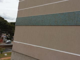 Condomínio Residencial Vertical : Casas familiares  por Arquiteto Robertim Ricardo,Moderno