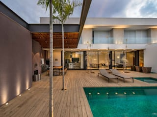 Residência Boa Vista: Casas  por Padovani Arquitetos + Associados,Minimalista