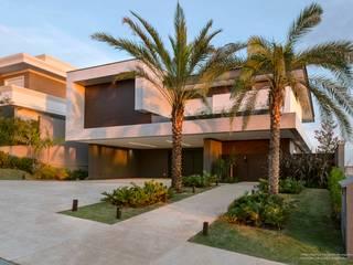 Residência Prado Casas minimalistas por Padovani Arquitetos + Associados Minimalista