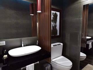 Oficinas corporativas: Baños de estilo  por Crearqtiva