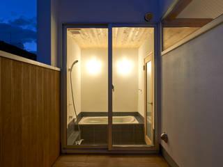 三軒茶屋の家 -都市でも気持ちよく住まう家-: (有)菰田建築設計事務所が手掛けた浴室です。