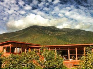 Casa Ecológica en Olmué Nido Arquitectos Casas de estilo rústico