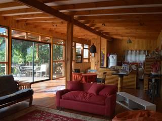 Casa Ecológica en Olmué Nido Arquitectos Livings de estilo rústico