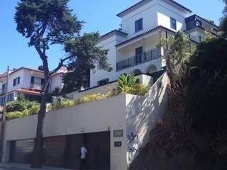 Reabilitação de Moradia Unifamiliar no Estoril:   por MLeP - Marisa Lima Estudos e Projectos de Arquitectura Lda.