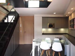 REFORMA DE UN DUPLEX: Cocinas de estilo  de Búho Arquitectos SLP