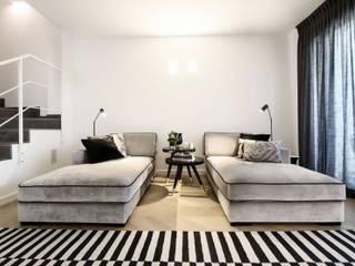 Pasillos y hall de entrada de estilo  por Daniela Nori, Moderno