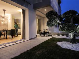 Jardines de estilo moderno de Daniela Nori Moderno