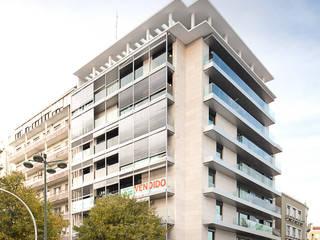 Reabilitação de Edifício de Habitação à Av. António Augusto de Aguiar, 104:   por MLeP - Marisa Lima Estudos e Projectos de Arquitectura Lda.