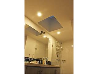 Salle de bains de style  par Ensamble de Arquitectura Integral,