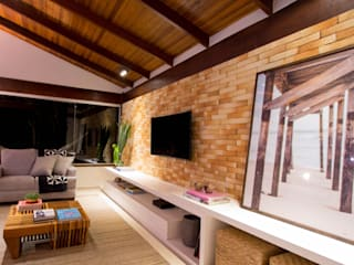 Sala RC Salas de estar rústicas por Traama Arquitetura e Design Rústico
