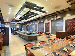 Kabir's Kitchen Rustic style hotels by Matai Associates Rustic