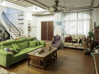 Lake View Villa 湖濱私別墅 根據 DIANTHUS 康乃馨室內設計 田園風