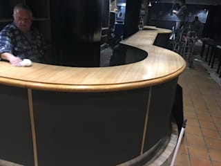 Moderne Bars & Clubs von COINA Modern