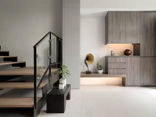 禾築國際設計Herzu Interior Design モダンスタイルの 玄関&廊下&階段