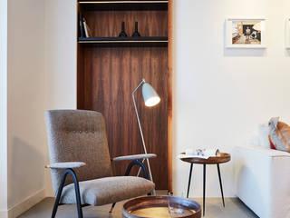 CARLO ALBERTO: Soggiorno in stile in stile Moderno di Studio Fabio Fantolino