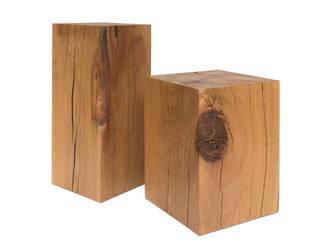 Dekosäulen aus Eiche Massivholz, natürliche Holzsäulen, rustikale Podeste:   von Möbelmanufaktur GreenHaus