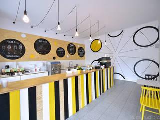 Moderne Bars & Clubs von ILLUMISTUDIO Modern