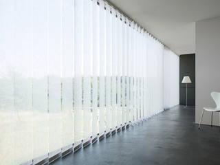 Vertikal Jalousie:  Arbeitszimmer von MyZoo Ingo Stein & Raumgestaltung Anhalt