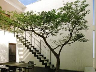 高岡のN邸: 辻谷誠建築研究所が手掛けた一戸建て住宅です。