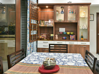 Gloryfields Apartment - Bangalore Classic style dining room by Wenzelsmith Interior Design Pvt Ltd Classic
