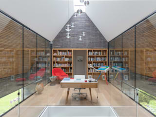 Water End House IQ Glass UK Modern study/office