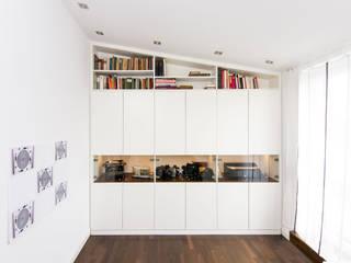 urbana möbel Corridor, hallway & stairsStorage Kayu Buatan White