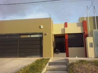 Casas modernas de Estudio Punto y Linea Moderno