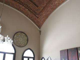 Large Living Столовая комната в средиземноморском стиле от Design Zone Средиземноморский