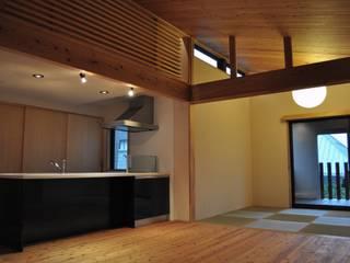 昭和の家 モダンデザインの リビング の 田村貴大建築アトリエ モダン