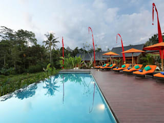 WaB - Wimba anenggata architects Bali Eclectic style hotels Wood Multicolored