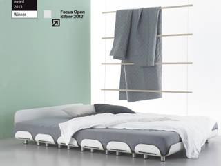 Bett Tiefschlaf II von Stadtnomaden GmbH Minimalistisch