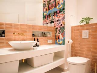 Baños de estilo  por THE INNER HOUSE,