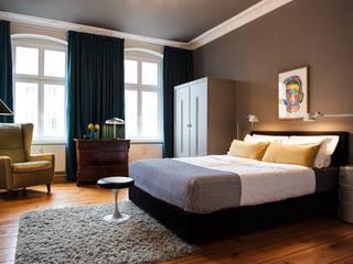 Modern Bedroom by THE INNER HOUSE Modern