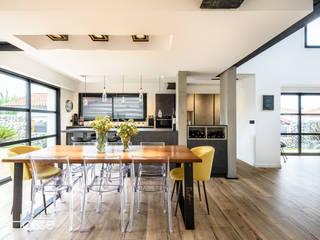 Rénovation d'une maison individuelle à Anglet Cuisine moderne par Agence CréHouse Moderne