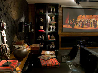 Eclectic style media rooms by Bomm Warken Arquitetura S/S Ltda Eclectic