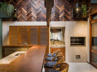 by Thiago Mondini Arquitetura Eclectic