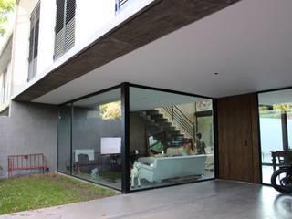 Casas de estilo  por DUA Arquitectos,