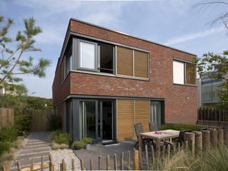 Villa in stile  di Studio Leon Thier architectuur / interieur