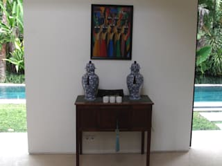 Asian table & accessories:   by Credenza Interior Design
