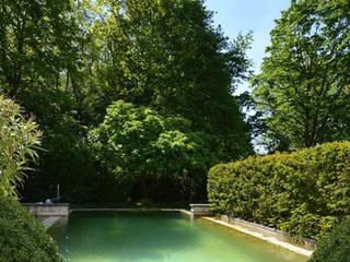 Ein Poolgarten 2kn architekt + landschaftsarchitekt Thorsten Kasel + Sven Marcus Neu PartSchG Gartenpool Stein Grün