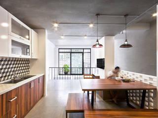 Q10 House Phòng ăn phong cách châu Á bởi Studio8 Architecture & Urban Design Châu Á